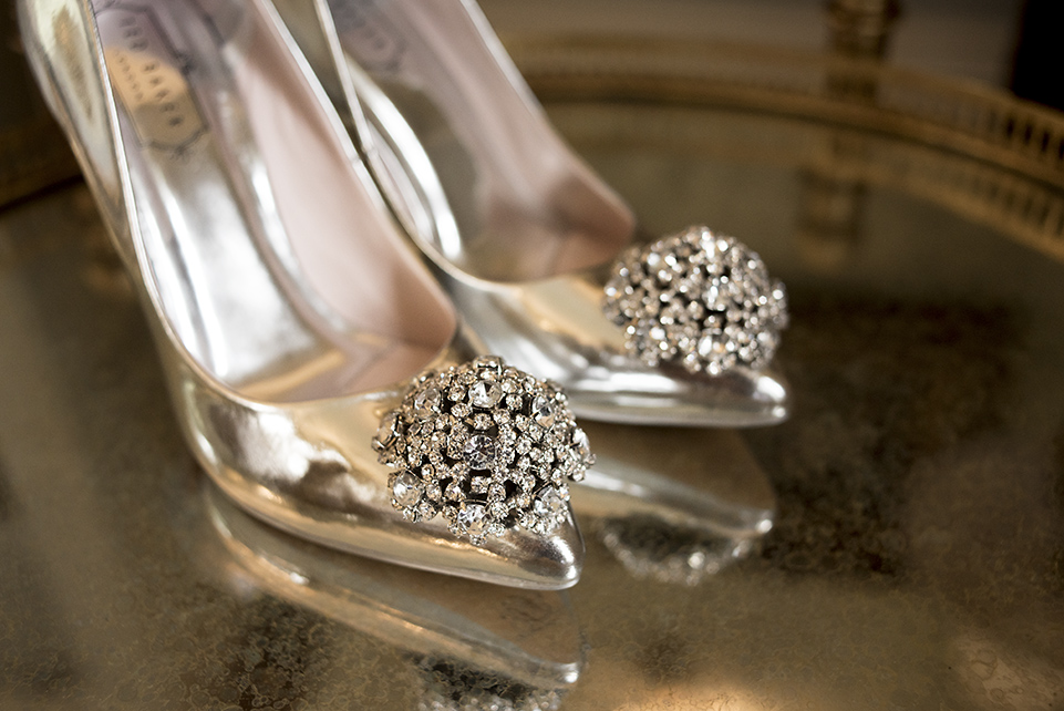 Bridal Shoes, by Heart Weddings Photography